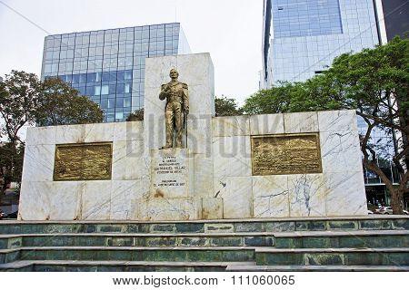Pomnik Don Manuel Villar In Lima