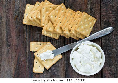 Saltine Crackers And Ricotta