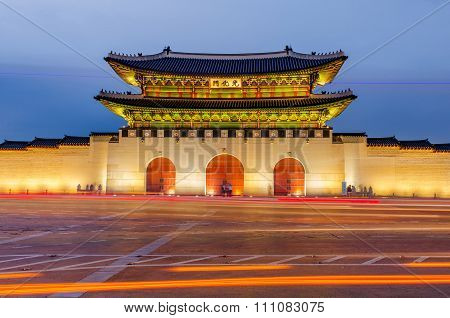 Gwanghwamun Gate Of Gyeongbokgung Palace At Night In Seoul, South Korea