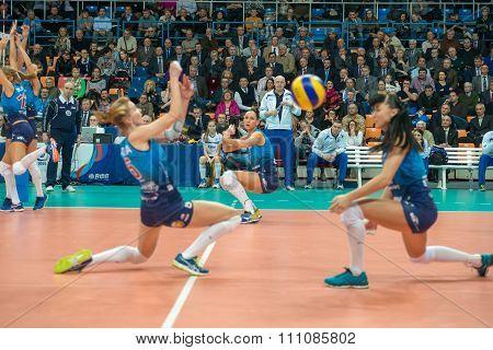 The Head Coach Of Dynamo (msc) Yury Panchenko On Women's Rissian Volley