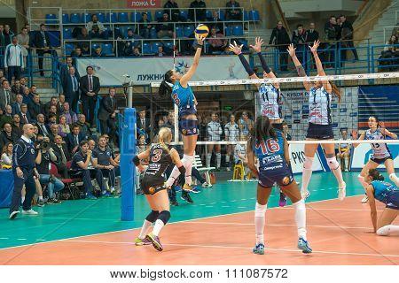 N. Obmochaeva (dynamo (msc) 8 While Playing On Women's Rissian Volleyba