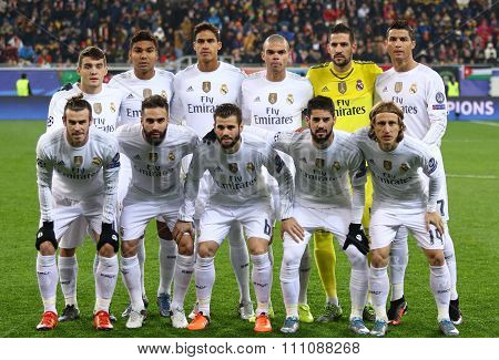 Real Madrid Players Pose For A Group Photo
