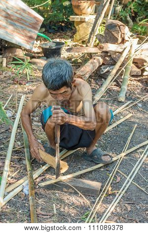 Traditional basketwork, Thai Country Lifestyle, Old Thai man