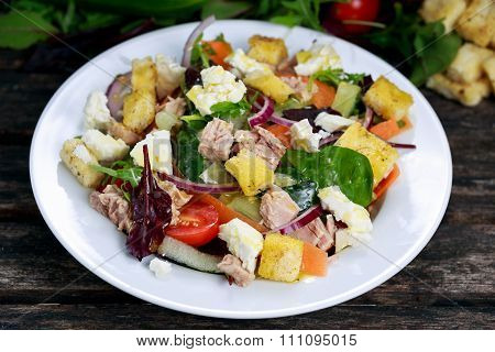 Close Up Tuna Salad With Spinach, Rocket, Red Ruby Chard, Tomatoes, Cucumbers, Carrot, Red Onion