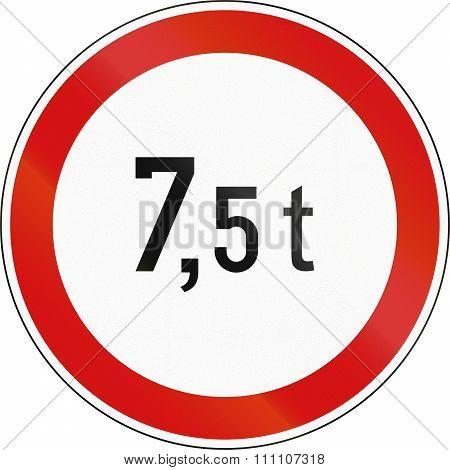 Slovenian Regulatory Road Sign - No Vehicles Over 7.5 Tons