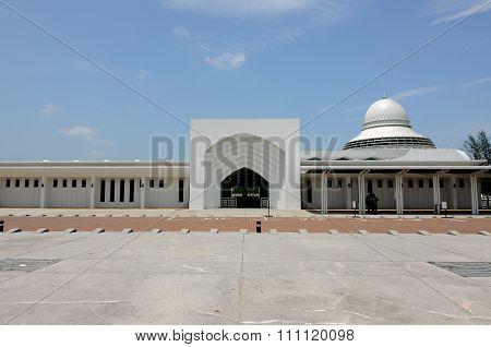 An-Nur Mosque a.k.a Petronas Technology University Mosque