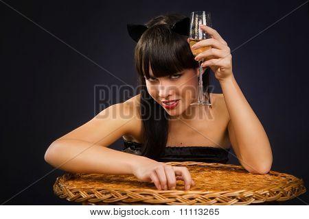 Sexy Frau mit Katze Kleidung
