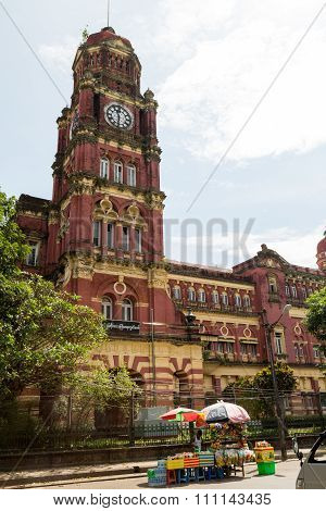 Queen Anne Style High Court