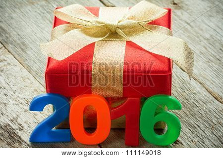 Gift And A 2016 Sign