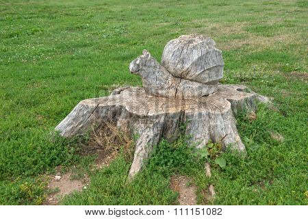 Woodcarving. Turtle With Cherepashonkom On The Stump Of A Tree. Velikiy Novgorod