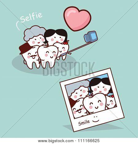 Happy Cartoon Tooth Family Selfie