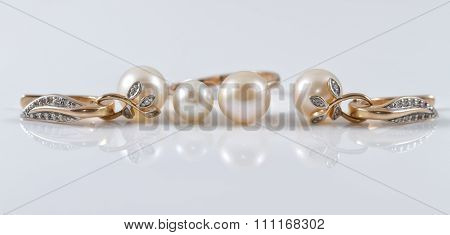 Gold Set Of Ring And Earrings With Pearl