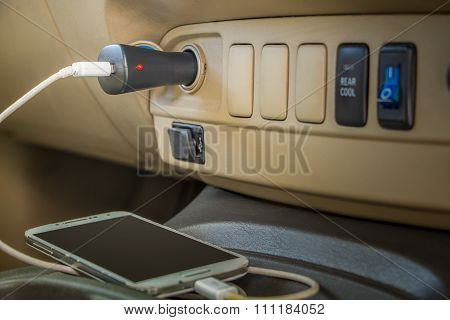 Charger plug phone on car