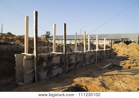Wooden formwork for foundation building