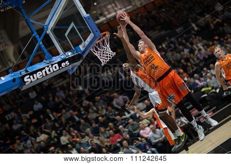 VALENCIA, SPAIN - DECEMBER 12th: Hamilton with ball during Spanish League between Valencia Basket Club and Montakit Fuenlabrada at Fonteta Stadium on December 12, 2015 in Valencia, Spain