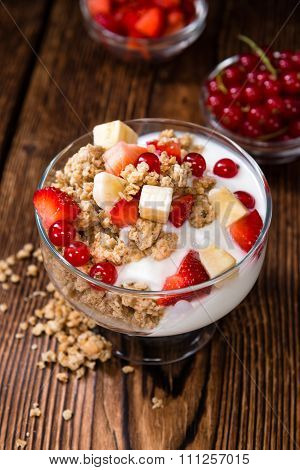 Crunchy Yoghurt With Fresh Fruits