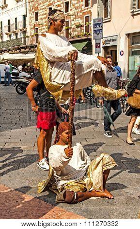 Street Performers in Verona