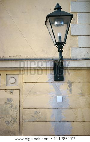 Nostalgic wall light