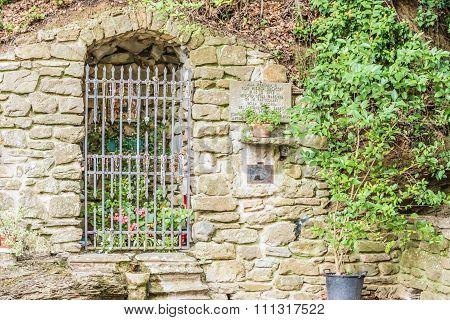 Crypt Of The Shrine Of Our Lady Of The Bath In Castiglione Fiorentino