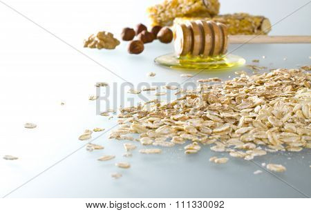 Healthy cereals and honey.
