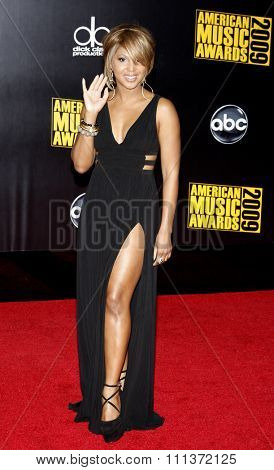 22/11/2009 - Los Angeles - Toni Braxton at the 2009 American Music Awards held at the Nokia Theater in Los Angeles, California, United States.