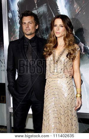 HOLLYWOOD, USA - JANUARY 19: Len Wiseman and Kate Beckinsale at the Los Angeles Premiere of