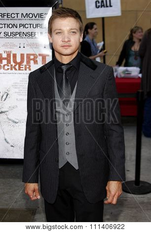 HOLLYWOOD, CALIFORNIA - Friday June 5, 2009. Jeremy Renner at the Los Angeles premiere of