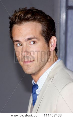 1/6/2009 - Hollywood - Ryan Reynolds at the Los Angeles Premiere of