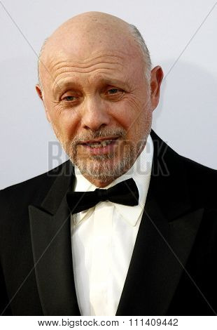 Hector Elizondo attends the 35th Annual AFI Life Achievement Award Honoring Al Pacino held at the Kodak Theatre in Hollywood, California, on June 7, 2007.