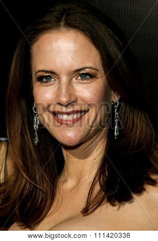 Kelly Preston attends the Rodeo Drive Walk Of Style Award honoring Gianni and Donatella Versace held at the Beverly Hills City Hall in Beverly Hills, California on February 8, 2007.