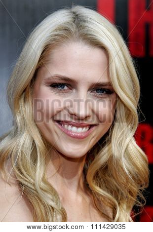 10/08/2006 - Buena Park - Theresa Palmer attends the World Premiere of