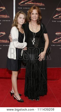 October 16, 2005. Lea Thompson and daughter Zoey Deutch at the Columbia Pictures'