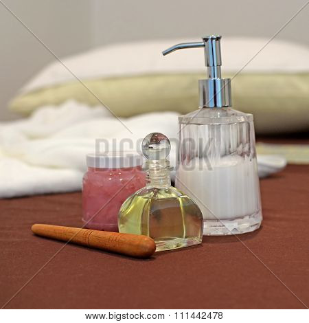Spa And Massage Kit, Oil Lotion And Wooden Massager