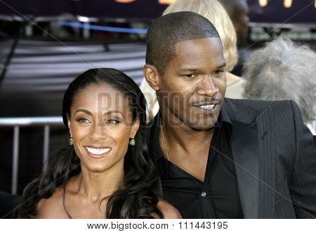 2 August 2004 - Los Angeles, California - Jada Pinkett-Smith and Jamie Foxx. The World Premiere of 'Collateral' at the Orpheum Theatre in downtown Los Angeles.