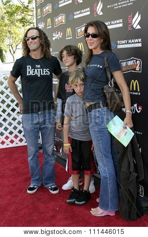 Kenny G. at the Standup For Skateparks benefit held at Pinz Bowling Alley in Studio City, California on October 3, 2004.