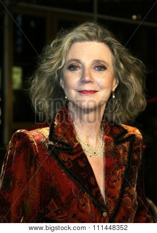 16 December 2004 - Hollywood, California - Blythe Danner. The premiere of 'Meet The Fockers' at the Universal Amphitheatre Universal Studios in Hollywood.