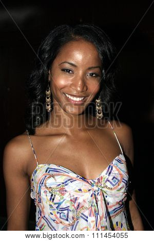 19 August 2004 - Hollywood, California - Faune Chambers. Pelle Pelle's Celebrity Catwalk for charity hosted by Nicole Richie at the Palladium in Hollywood.