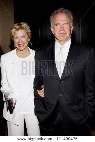 Annette Bening and Warren Beatty at the 2009 Noche de Ninos Gala held at the Beverly Hilton Hotel in Beverly Hills on May 9, 2009.
