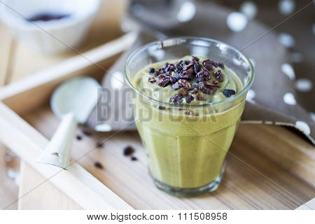 Avocado Smoothie With Cacao Nibs