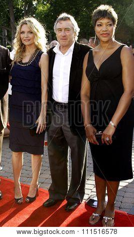 Michelle Pfeiffer, Robert De Niro and Grace De  Niro attend the Los Angeles Premiere of