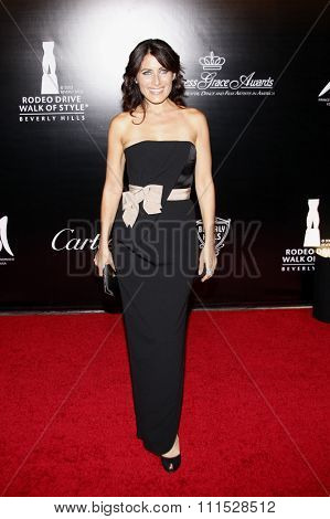 Lisa Edelstein at the Rodeo Drive Walk of Style Award honoring Princess Grace Kelly of Monaco and Cartier in Beverly Hills on October 22, 2009.