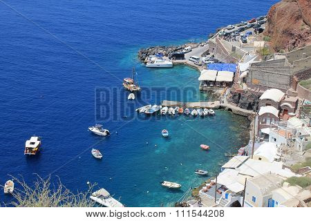 Amoudi Bay, Oia Village In Santorini Island, Greece.