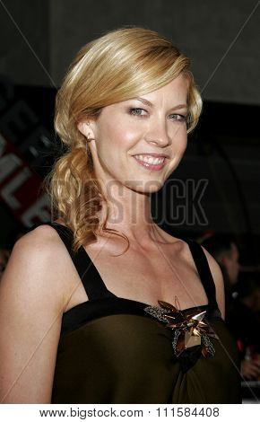 HOLLYWOOD, CA - MAY 04, 2006: Jenna Elfman at the Los Angeles premiere of 'Mission: Impossible 3' held at the Grauman's Chinese Theatre in Hollywood, USA on May 4, 2006.