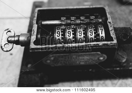 vintage clockwork counter