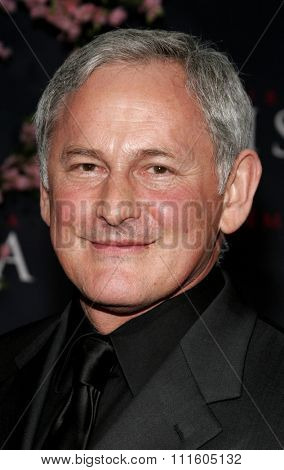 Victor Garber attends The DreamWorks SKG and Sony Pictures Premiere of