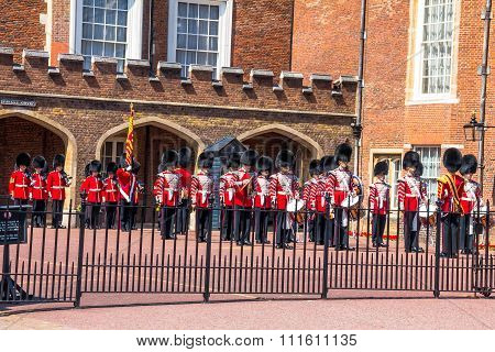 British Guardsmen Preparing For The Parade Opposite St. James Palace. The Mall. London. Uk
