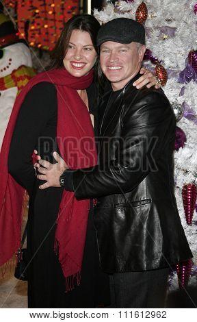 HOLLYWOOD, CALIFORNIA. November 12, 2006. Neal McDonough and Ruve McDonough at the World Premiere of