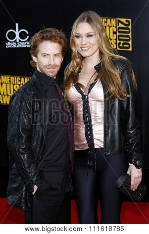 Seth Green and Clare Grant at the 2009 American Music Awards at Nokia Theatre L.A. Live in Los Angeles, USA on November 22, 2009.