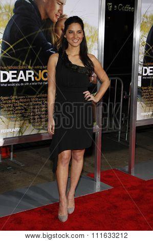 HOLLYWOOD, CALIFORNIA - February 1, 2010. Olivia Munn at the World premiere of