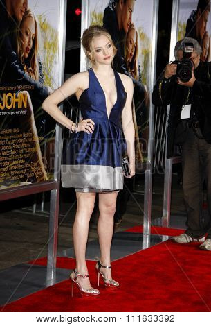HOLLYWOOD, CALIFORNIA - February 1, 2010. Amanda Seyfried at the World premiere of